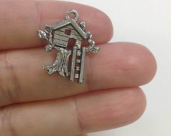 4 Tree House Charm, Treehouse charms