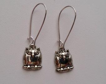 Silver Plate Owl on Kidney Wire Earrings  (E14-161)