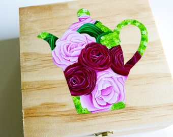 "Tea Box ""Roses & Ranunculus"""