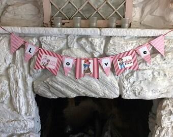 """Valentine Banner """"LOVE"""""""