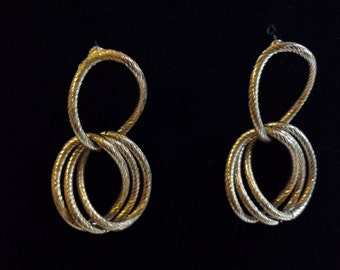 Vintage 1980s gold chain earrings. Big chain links. Wendyloo Vintage Collection.