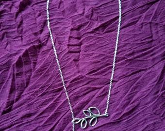 Olive Leaf Necklace Lariat Necklace with Dangling Leaf