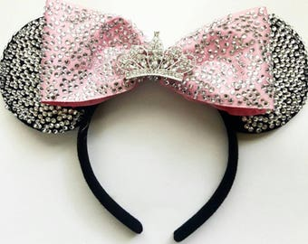 Fully Crusted Ears With Bow and Mini Crown (Comes in many colors)