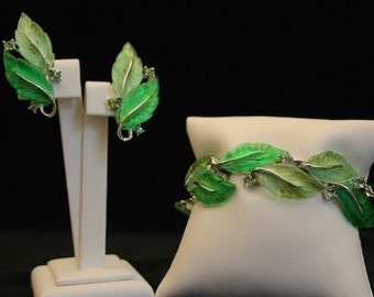 Lisner 1960s Green Leaves Jewellery Set