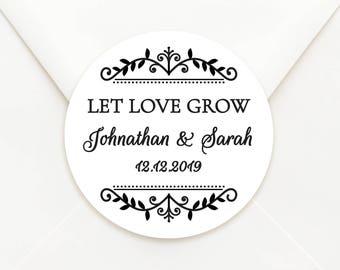 Personalised Circle Wedding Bomboniere Sticker Labels - Choice of Kraft or Matte White Paper - Wedding Emblem