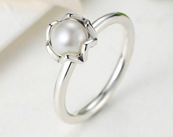 White Pearl 925 Sterling Silver Ring size 6