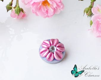 Brooch with flower daisy pink and light purple made with polymer clay