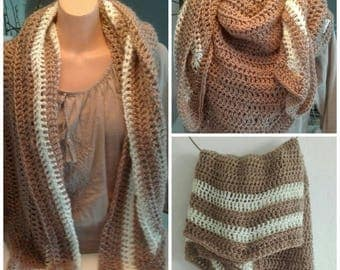 Wrap scarf in beige and off-white