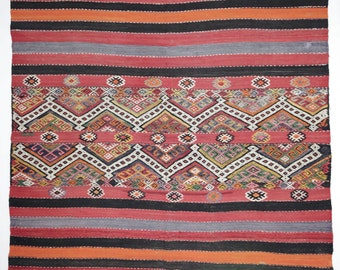 """Vintage cuval kilim from Central Anatolia. 83"""" x 71 inch. 100 % handwoven Wool. We ship from Germany."""