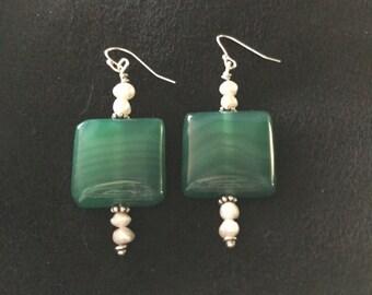Green Agate and Pearl Earring