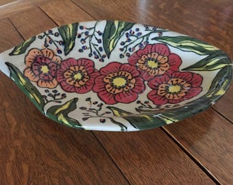 Handmade stoneware serving bowl by Your Color Diva with a hand-painted colorful Rustic Zinnia Pattern.