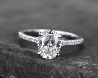 Sterling silver ring/Oval shaped Cubic Zirconia engagement ring/CZ wedding ring/promise ring/Xmas gift/Can custom design gems/stacking ring