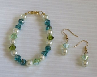 Green Crystal and Pearl Bracelet and Earrings