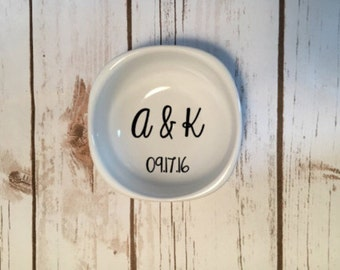 Personalized Wedding Ring Dish, Custom Ring Dish, Wedding Date Ring, Engagement Date Ring Dish, Couples Initials Ring Dish