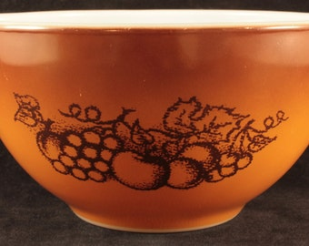 Vintage Pyrex Old Orchard 441 1.5 Pint Cinderella Mixing Bowl