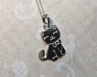 Kitty necklace all in Silver 925/1000.