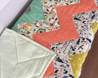 Quilt for baby unisex green/gray/orange