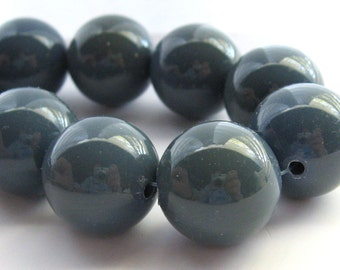 14 Vintage 18 mm Grey Beads, Chunky Round Beads, Blue Gray Glossy Beads, Green Grey Glossy Beads, West German Beads, Bead Destash