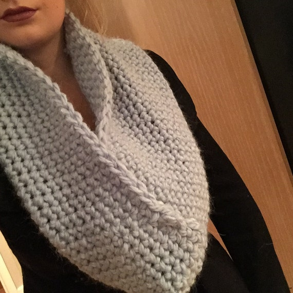 Simple crochet cowl