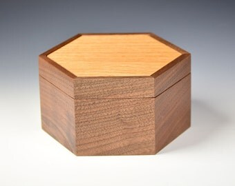 Keepsake box - Black Walnut and Red Oak