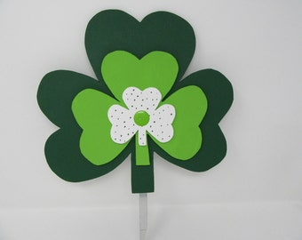 Triple Shamrock Yard Decoration