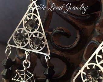 BLACK DRAMA EARRINGS, gothic style