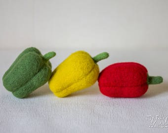 Needle Felted Sweet Peppers. Set of 3 items. Felted Vegetables. Nature Table. Ready to Ship. Play Food