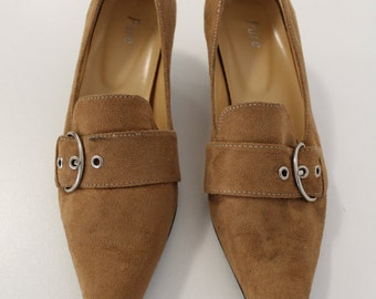 Pointed Buckled Low Heel Shoes (Light Brown)