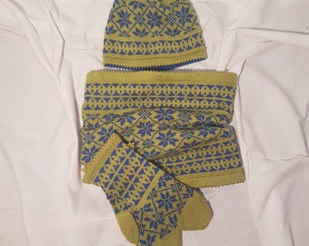 Merino wool winter/autumn beanie, gloves and scarf set