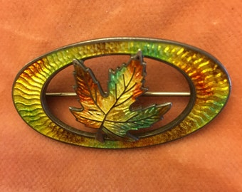 Vintage enamel mable leaf pin