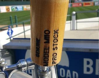 Baseball bat tap handle