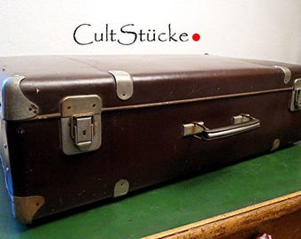 And bye-50s suitcase vintage
