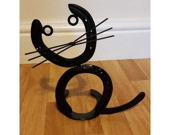 Horseshoe cat alternative design
