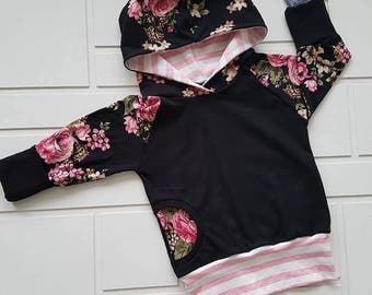 Scalable Hoodie - Pink flower on black background and lined
