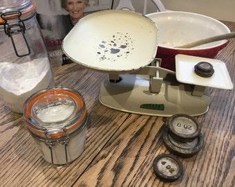 1930's Vintage Harper Kitchen Scales