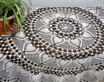 Round crochet tablecloth