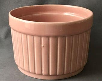 Vintage United Pottery Planter, United U9 USA, Vintage Pink Round Planter