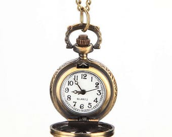 Retro Pocket Watch Carved Pattern Necklace