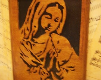 """Wooden portriat """" Mary in prayer"""""""