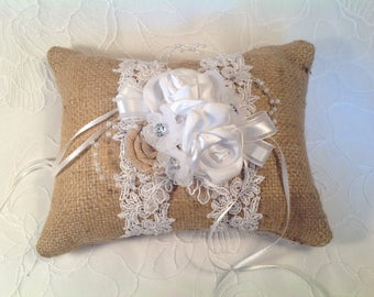 Wedding Pillow in jute/wedding pillow country-style/ring bearer pillow