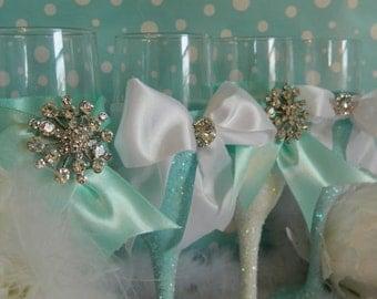Wedding Party Gift, Weddings, 4 Champagne Glasses, Champagne Flutes, Wedding Toasting, Aqua Bridal Shower, Quinceanera Decor, Robin Egg Blue