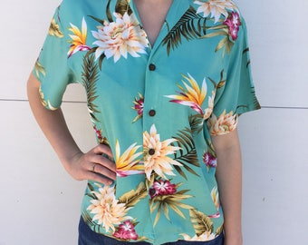 Vtg. 1980's Cropped Boxy Hawaiian Hibiscus Teal Blue Blouse Size Women's Medium