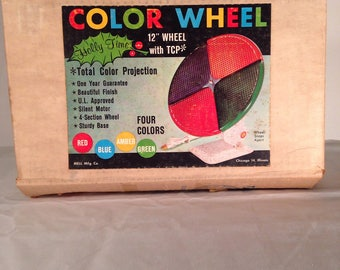 Color wheel with 4 section wheel