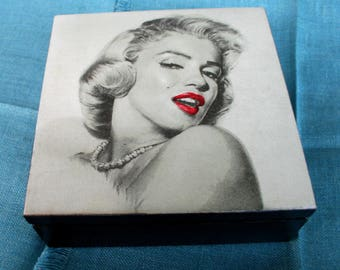 Wooden box Marilyn Monroe, keepsake box, wedding handmade box, gift for her, home decoration, casket , gift for wife , bridal gift ,