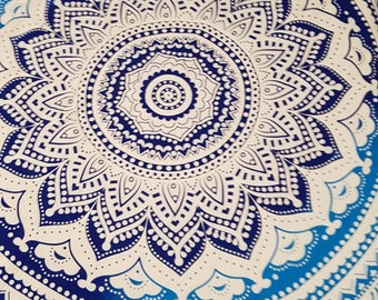 Manadala Quilt, Roundie, Blues Indian Cotton Quilt