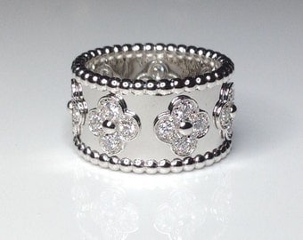 18k White Gold 0.90CTW Diamond Flower Floral Motifs Band Ring 12 Grams Size 6.5