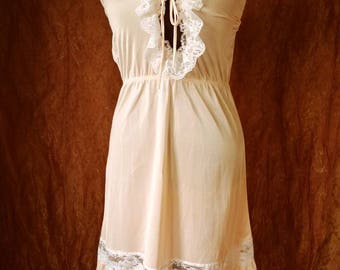 1970s Peach Slip Dress S/M