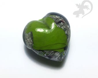 Green heart in glass with silver foil Amethyst 999 and veining