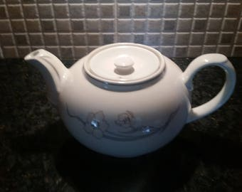 Vintage Churchill Sampsonite 87 Teapot Made In England
