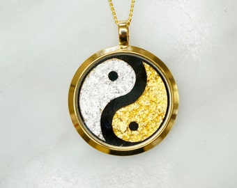 Australian 24 Carat Gold/Silver Leaf Ying Yang Pendant, Gold Necklace, Australian Souvenir, Gold, Gift, Gold Jewellery, Fashion Jewellery